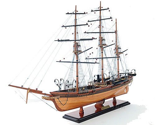 Модели кораблей и подводные лодки